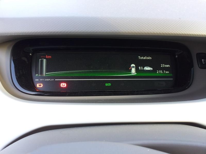 215,1 km sans recharger ! Mieux que les 210 km en NEDC ! 20130816