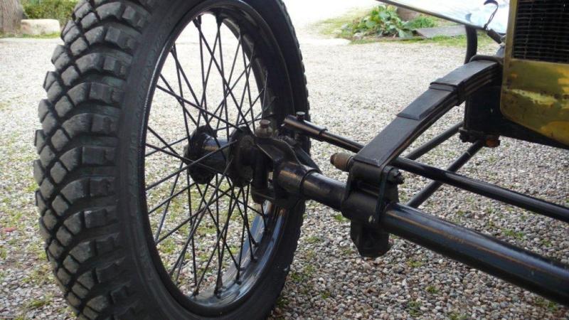 """(VDS) 4 pneus michelin """"fleche d'or"""" en 19 pouces, pour cyclecar ou autre P1280110"""