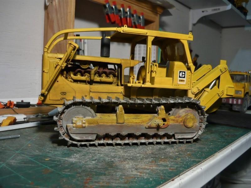 Caterpillar D8 remit à jour P1110031