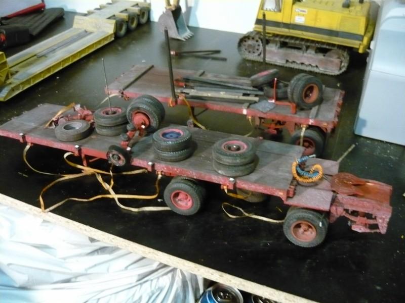 Mack RB avec remorque forestière. P1110112