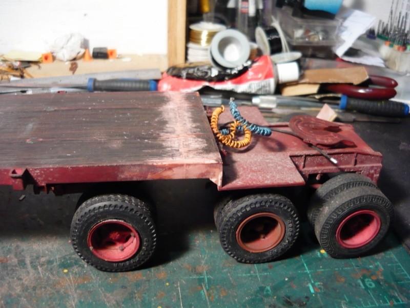 Mack RB avec remorque forestière. P1110117