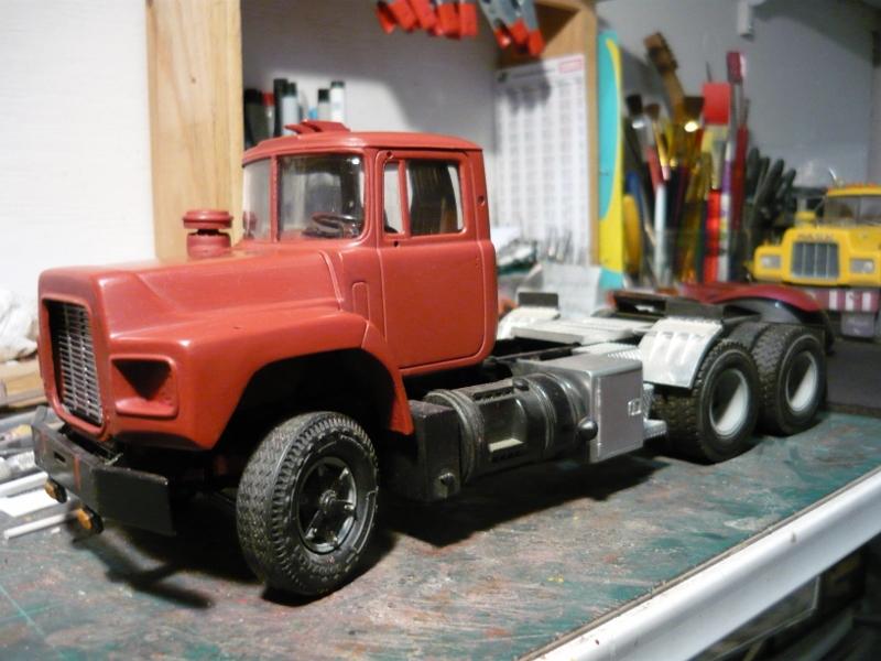 Mack RD 600 1989 avec remorques forestière Deloupe. ( complété ) P1110326