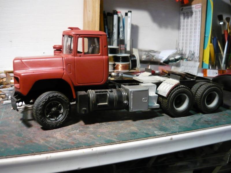 Mack RD 600 1989 avec remorques forestière Deloupe. ( complété ) P1110328