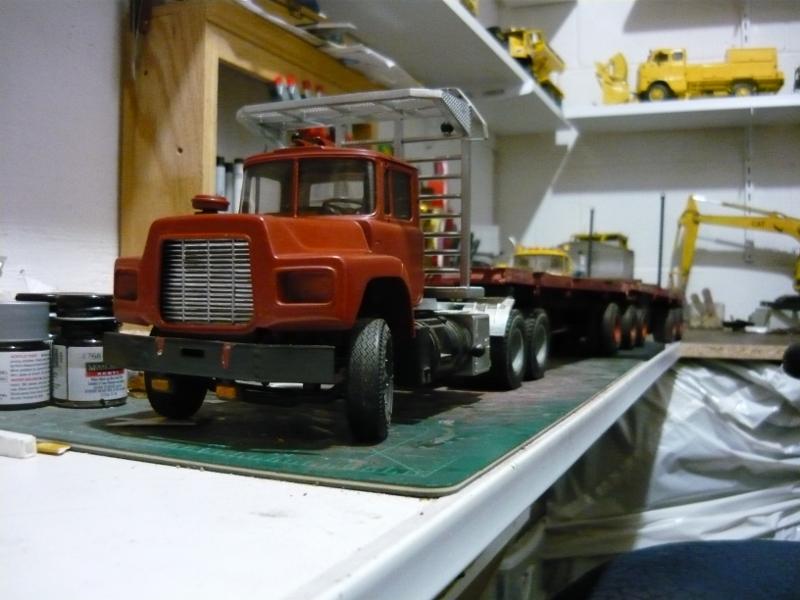 Mack RD 600 1989 avec remorques forestière Deloupe. ( complété ) P1110329