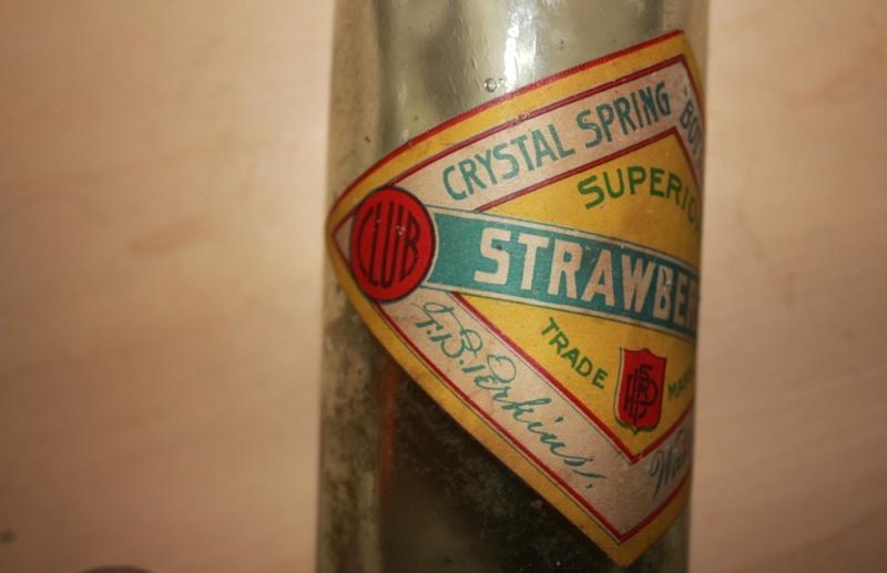 Crystal spring bottling works (fond rond) 310