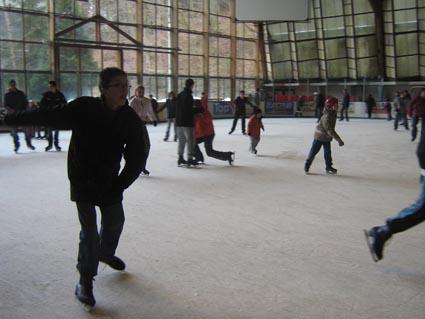 [JEU] Quelle patinoire? - Page 7 2008_210