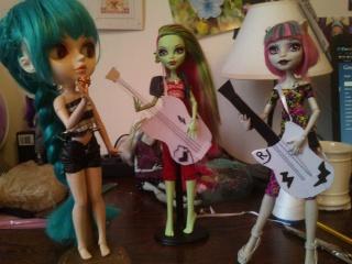 Les Dolls Du P'ti Chaton - Page 2 Mercur10