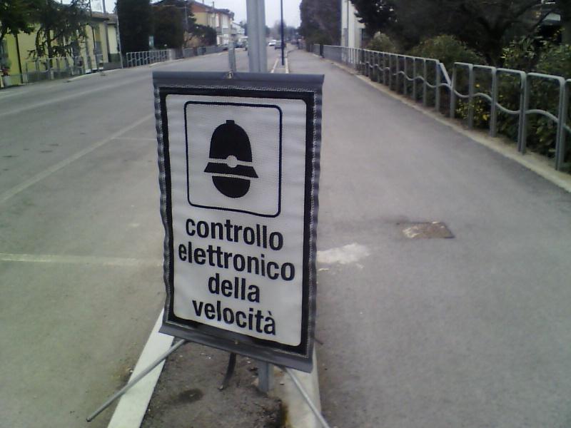 comunicazione di servizio -  foto cartello presegnalazione autovelox illegittimo Img00012