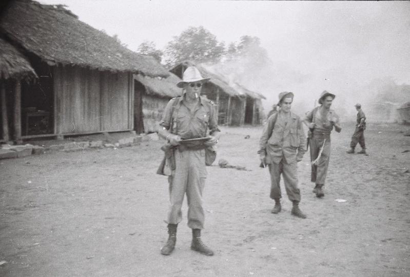 JOURQUIN Laurent fils de commando 1944/1950 Papa_053