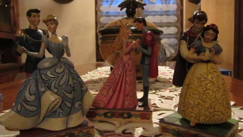 Disney Traditions by Jim Shore - Enesco (depuis 2006) - Page 37 Img_0727