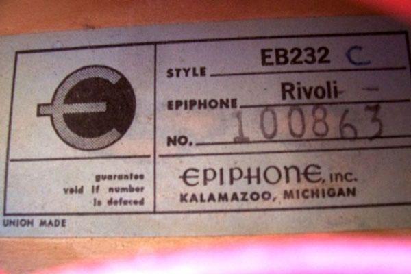 Ch un polyglotte parlant l'Epiphone sans accent 1967-e10