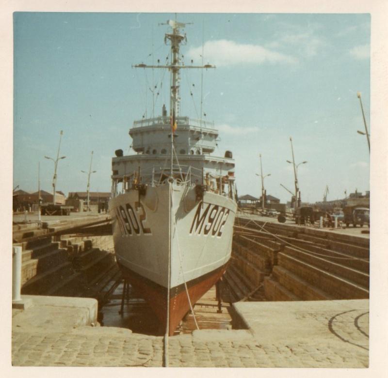 1969 - In de Nautische School Lombardsijde - Radar Operators Img00410