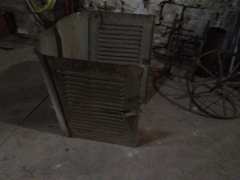 Vends capot moteur original de 5HP  Img_1111