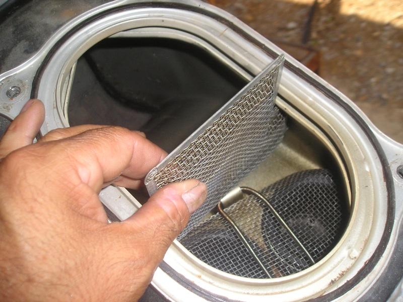 démontage carbus et nettoyage P1010019