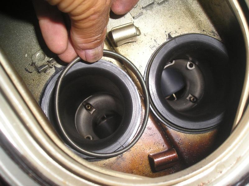 démontage carbus et nettoyage P1010023