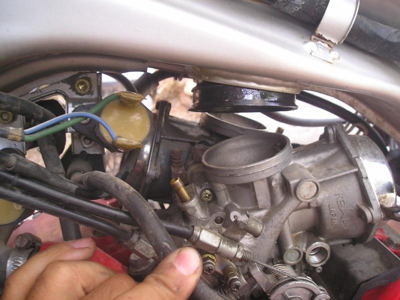 démontage carbus et nettoyage P1010032