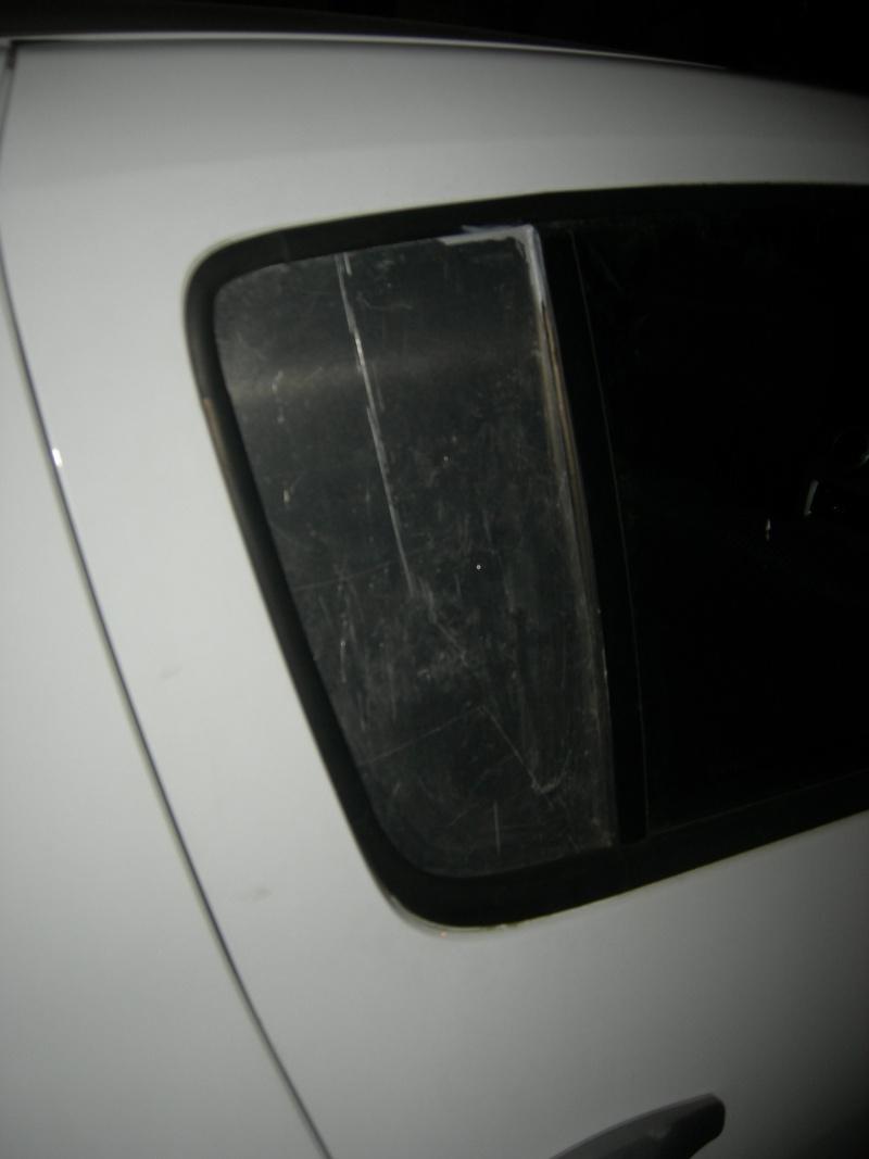 [Réparation] Remplacement de vitre voiture par tôle alu. Dscn9313