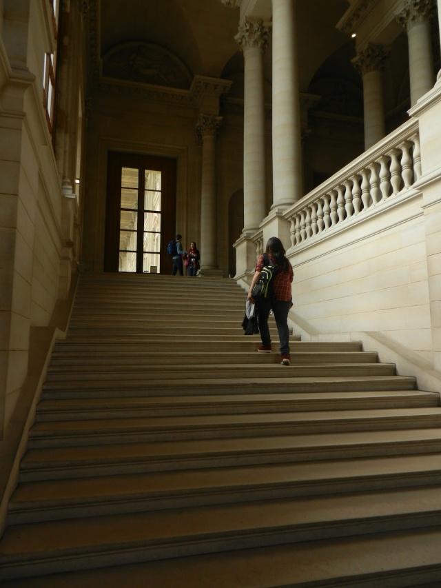 Le Louvre, ses fantômes et ses stars 1_1_1100