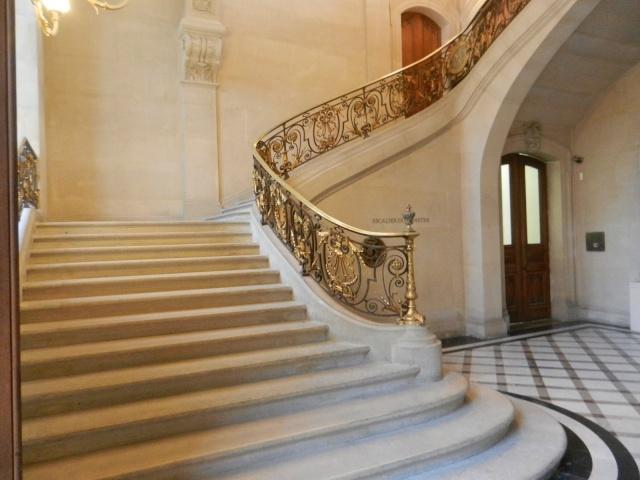 Le Louvre, ses fantômes et ses stars 1_1_1102