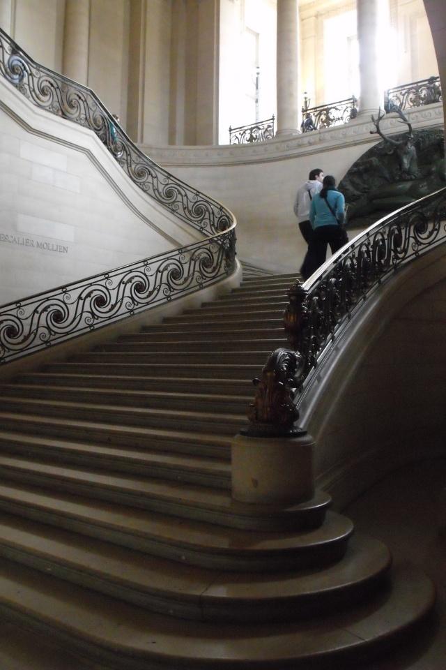 Le Louvre, ses fantômes et ses stars 1_1_1104