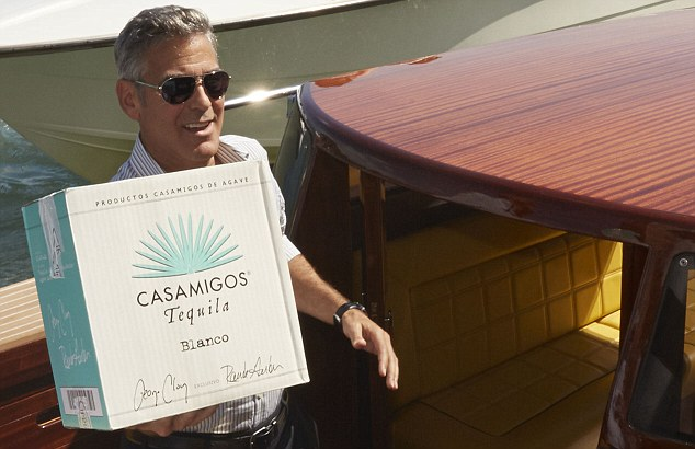 George Clooney and Rande Gerber deliver Casamigos tequila to Venice - Page 2 Gg111