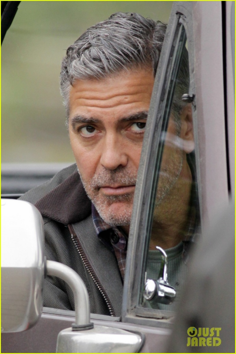 George Clooney on set of Tomorrowland Ggg110
