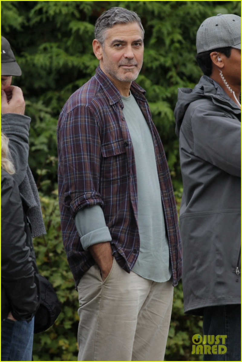 George Clooney on set of Tomorrowland Ggg211