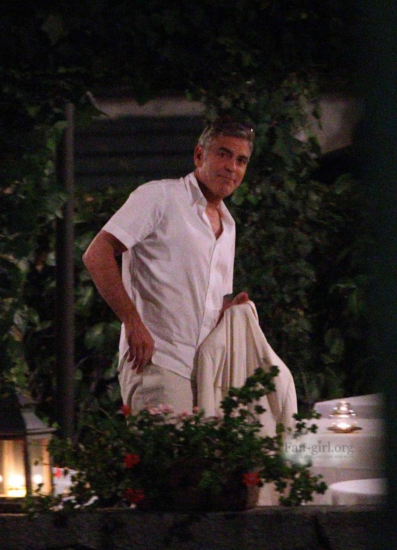 George Clooney at Dinner 8/18/13 in Lake Como Test1310