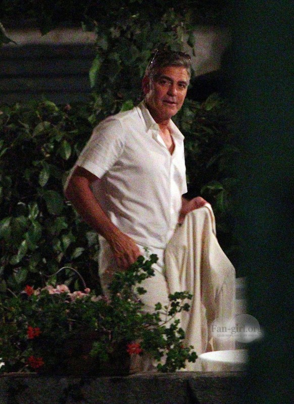 George Clooney at Dinner 8/18/13 in Lake Como Test1410