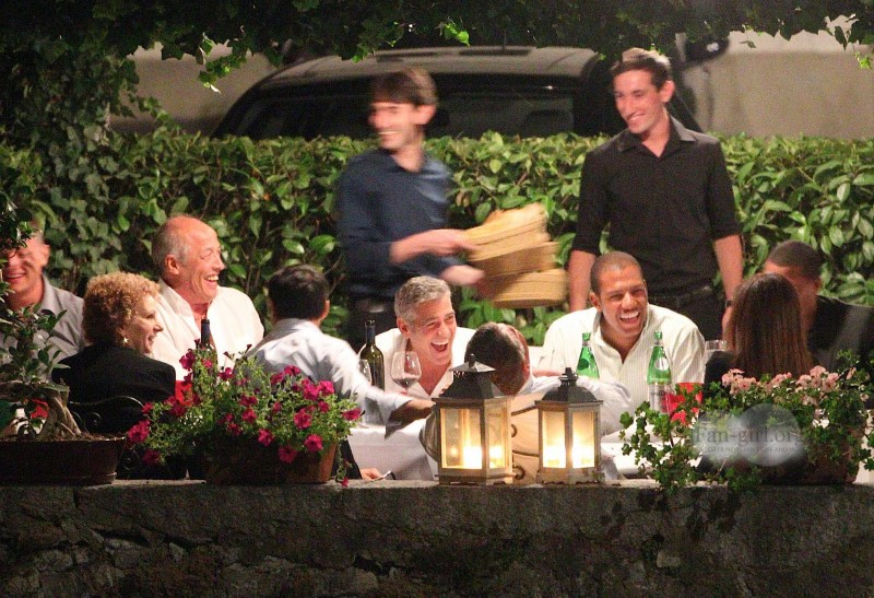 George Clooney at Dinner 8/18/13 in Lake Como Test610