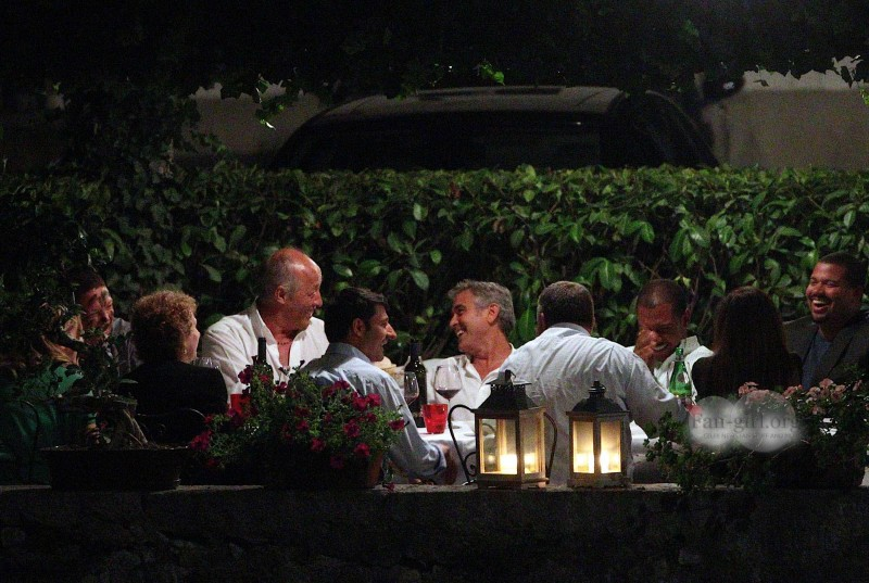 George Clooney at Dinner 8/18/13 in Lake Como Test810