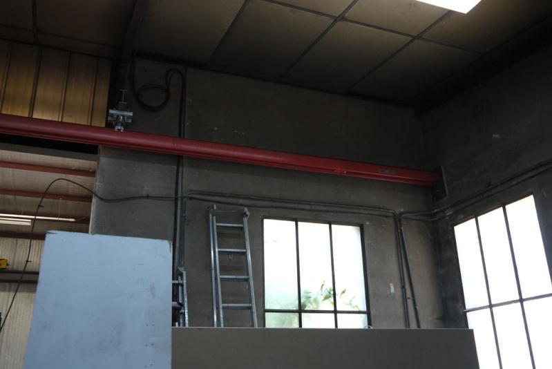 rènovation d'une partie de l'atelier avant l'arrivée d'une fraiseuse cnc P1010524