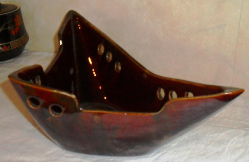 Strange yet disturbingly interesting Vase? 00310