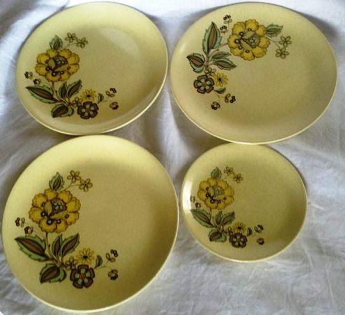Floral tableware pattern Platre10