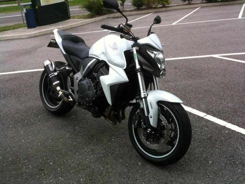 CB1000R ABS blanche 9300km cornets full 7500€ Img_1312
