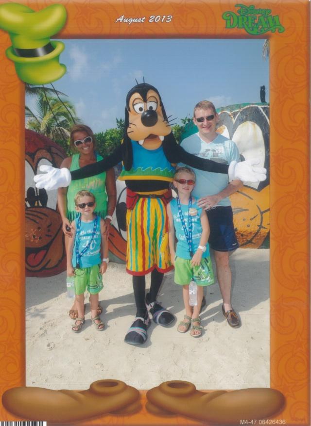 [TR] 3 semaines août 2013 en famille Universal-Disney cruise-WDW-Discovery Cove-Bush Garden-Seaworld - Page 5 Dingo_10