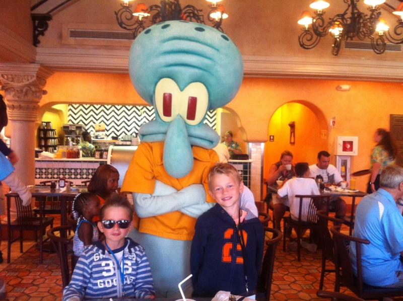 [TR] 3 semaines août 2013 en famille Universal-Disney cruise-WDW-Discovery Cove-Bush Garden-Seaworld Img_0115