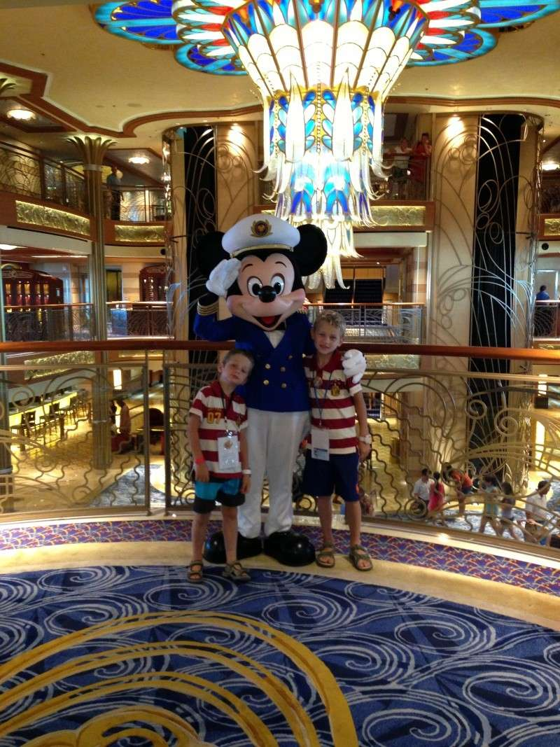 [TR] 3 semaines août 2013 en famille Universal-Disney cruise-WDW-Discovery Cove-Bush Garden-Seaworld - Page 4 Img_1024