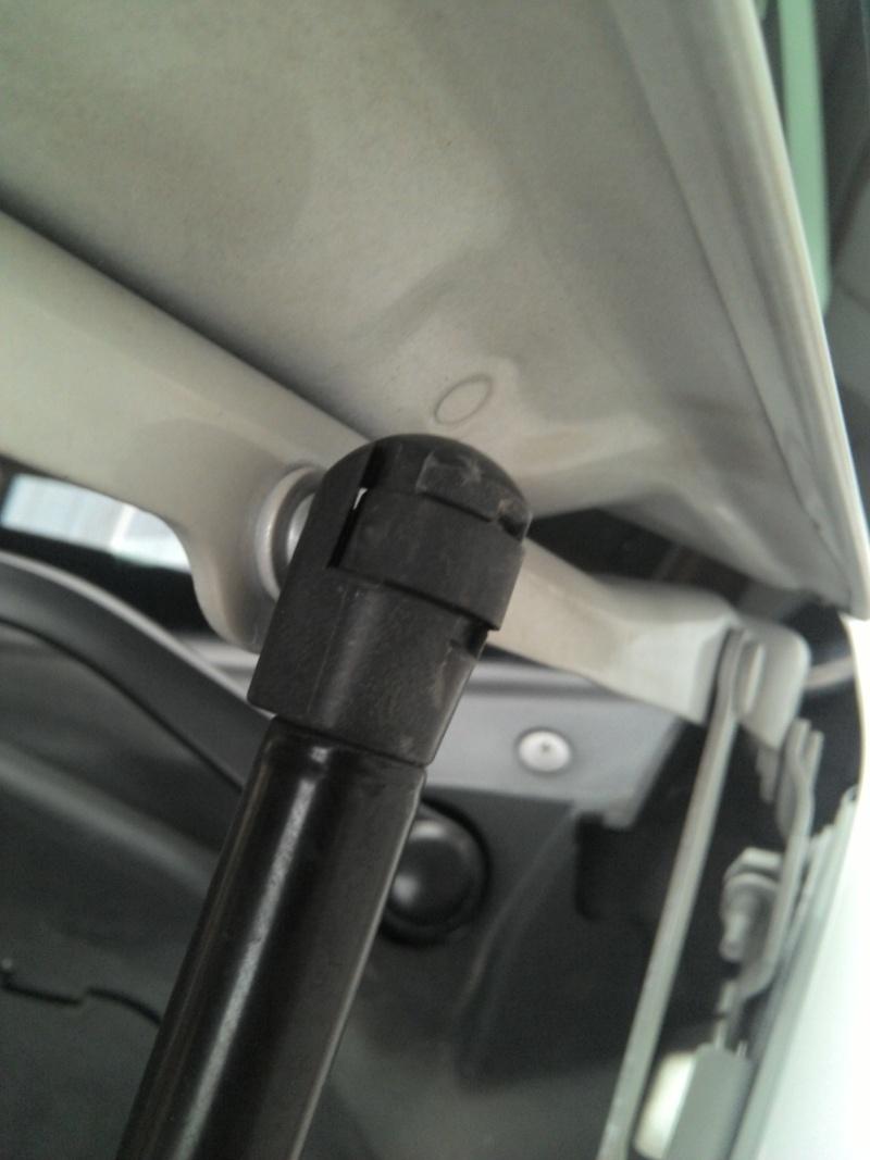 Verins capot moteur 2013-012