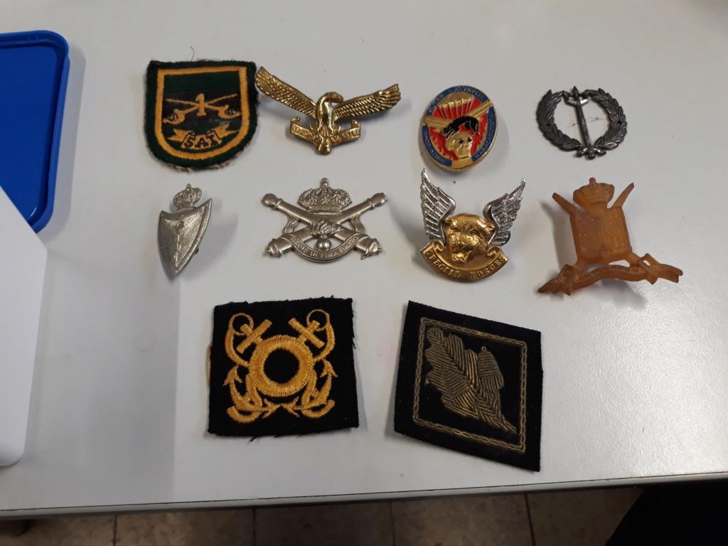 lot medailles et insignes divers a identifier, authentifier et estimer. 20191138