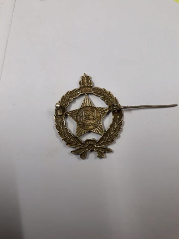 lot medailles et insignes divers a identifier, authentifier et estimer. 20191144