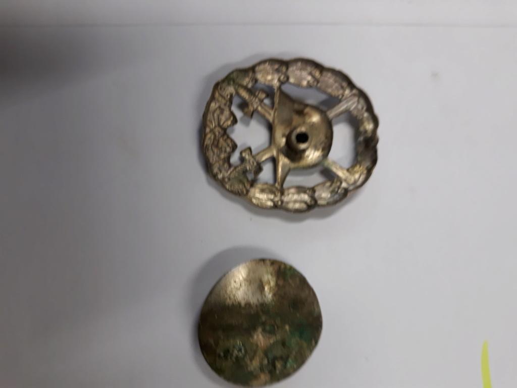 croix de fer ww1 avec rappel 1939 et badge blésse ww1 à authentifier et estimer 20191145