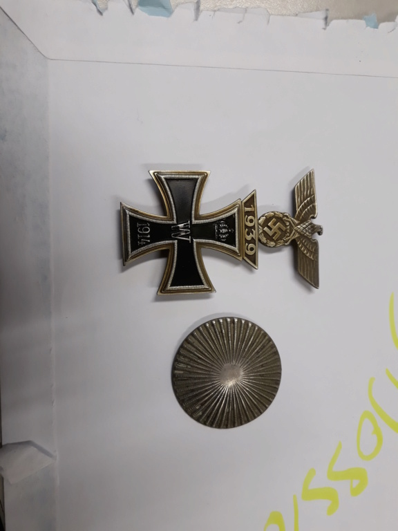 croix de fer ww1 avec rappel 1939 et badge blésse ww1 à authentifier et estimer 20191151