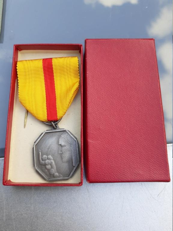 Lot de médaille Belge à identifier et estimer  20200912