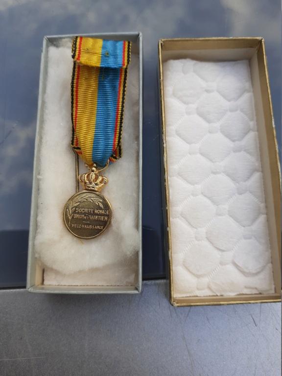 Lot de médaille Belge à identifier et estimer  20200921