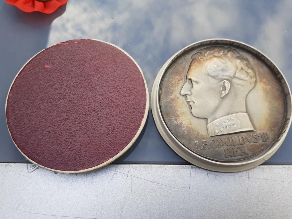 Lot de médaille Belge à identifier et estimer  20200923