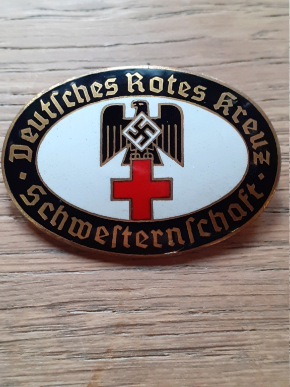insigne DRK et insigne SS copie? 20201257