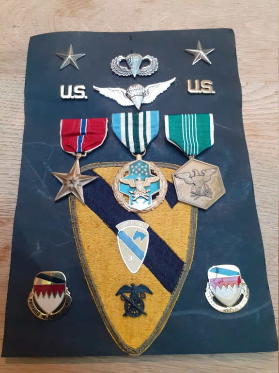 Lot insigne et médaille US période Vietnam 20211038