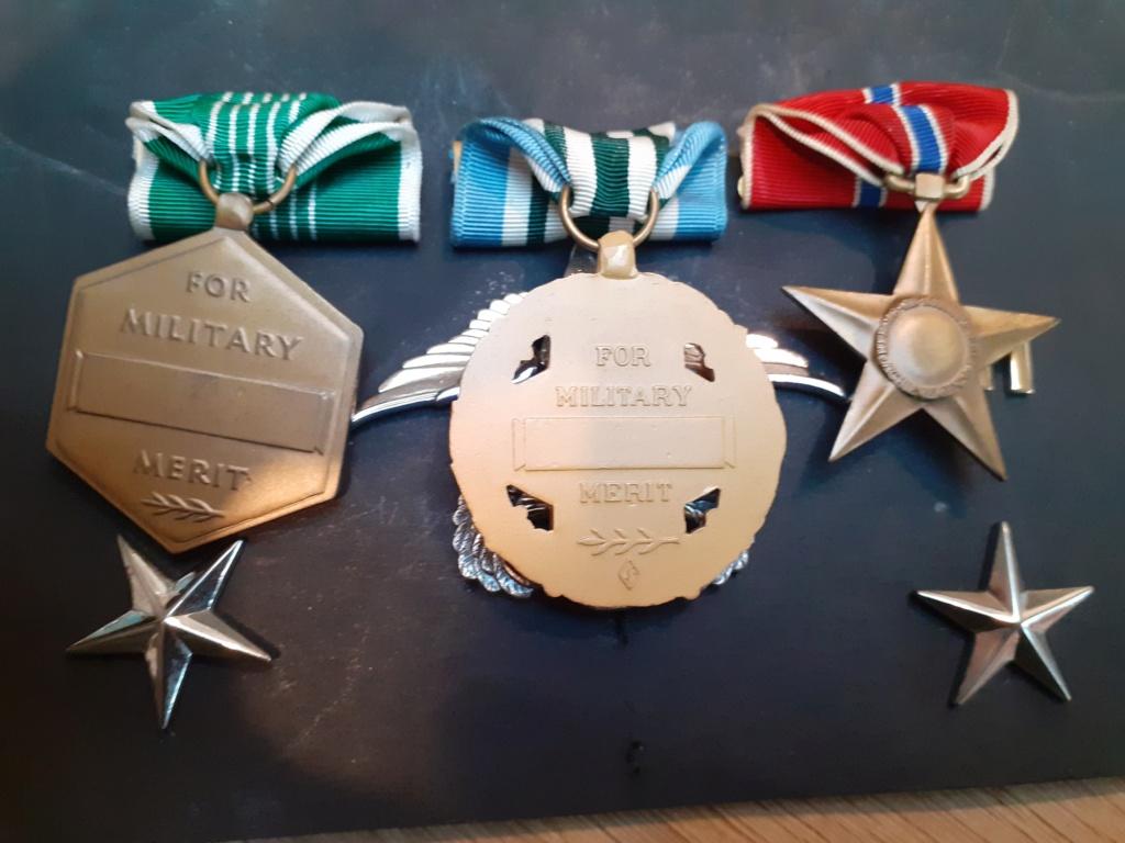 Lot insigne et médaille US période Vietnam 20211039