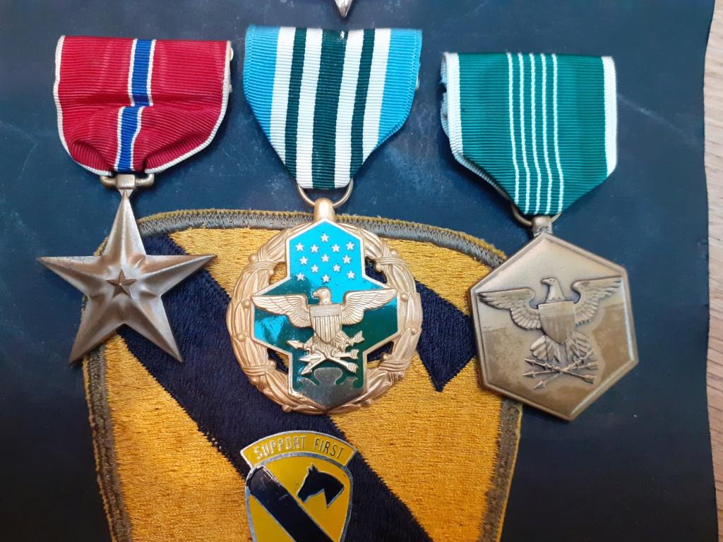 Lot insigne et médaille US période Vietnam 20211041
